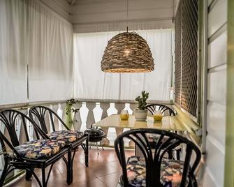 Eko Cozy Guest House - Saint John's - Gebouw