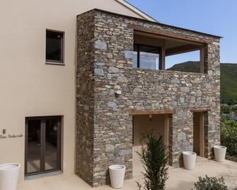 Misincu - Cagnano - Edificio