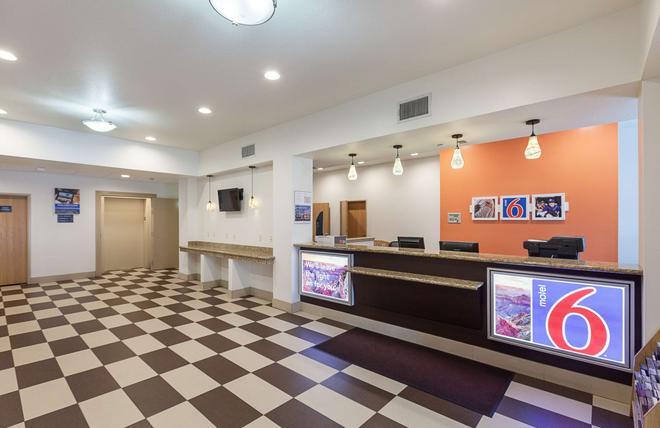 Motel 6 - 沃思堡 - 沃斯堡 - 櫃檯