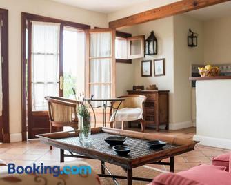 Casa Rural El Patio de Tita - Лос-Реалехос - Living room