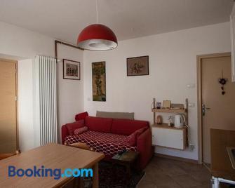 Casa Vanna - Mezzano - Living room