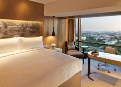 Renaissance Beijing Wangfujing Hotel - Beijing - Bedroom