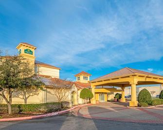 La Quinta Inn & Suites by Wyndham Sherman - Шерман - Здание