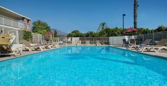 Motel 6 Arcadia, Ca - Los Angeles - Pasadena Area - Arcadia - Piscina