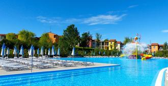 Belvedere Village - Castelnuovo del Garda - Pool