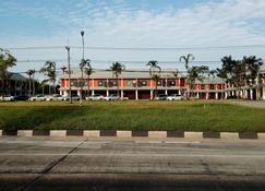 Suratthani Airport Mini Hostel - Phunphin - Gebäude