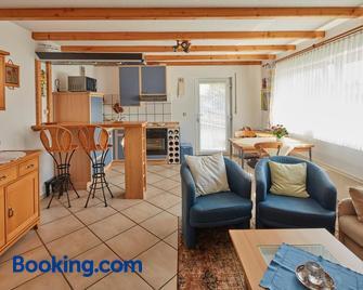 Ferien- und Messewohnung/ Apartment - Lohmar - Wohnzimmer