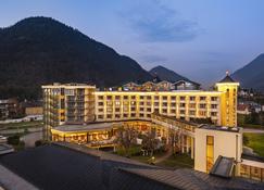 Eurothermenresort Bad Ischl Hotel Royal - Bad Ischl - Building
