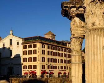 Hotel Forum - Rome - Building