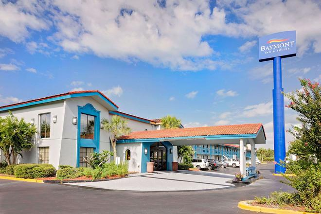 Baymont by Wyndham Jacksonville Orange Park - Jacksonville - Building