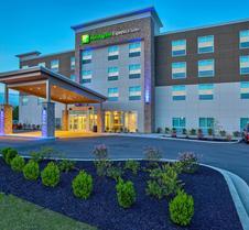 Holiday Inn Express & Suites Lexington W - Versailles