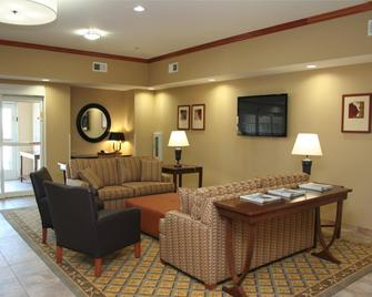 Candlewood Suites Avondale-New Orleans - Avondale - Living room