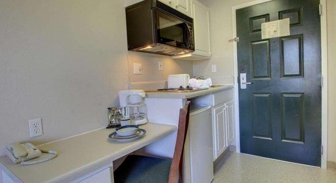 Intown Suites Extended Stay Greenboro Nc- Lanada - Greensboro - Küche