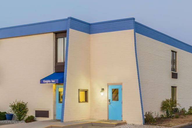 Knights Inn Dayton North Airport - Dayton - Building