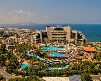 Le Royal Hotel- Beirut - Dbayeh - Будівля