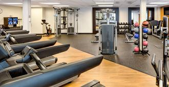 Doubletree by Hilton Hotel & Suites Pittsburgh Downtown - פיטסבורג - חדר כושר