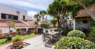 3 Marias Garden House B&B - Lagos - Patio