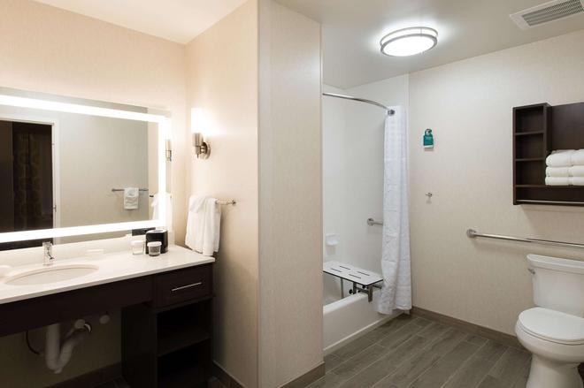 Homewood Suites by Hilton Concord Charlotte - Concord - Μπάνιο