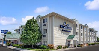 Microtel Inn & Suites by Wyndham Indianapolis Airport - Indianápolis - Edificio