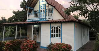 Hotel Ayenda Brisas del Caribe - סנטה מרטה