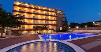 Continental Tossa Hotel - Tossa de Mar - Uima-allas