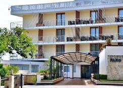 Pugnochiuso Resort - Hotel del Faro - Vieste - Edifício