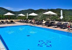 Pugnochiuso Resort - Hotel del Faro - Vieste - Pool