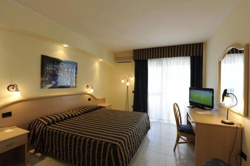 Pugnochiuso Resort - Hotel del Faro - Vieste - Bedroom