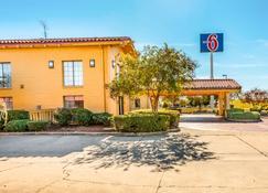 Motel 6 Monroe - Monroe - Toà nhà