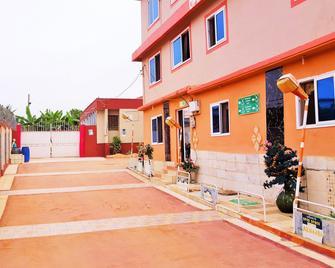 Open Space Hotel Kumasi - Kumasi - Gebäude