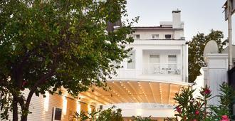 Buyukada Port Hotel - Estambul - Vista del exterior