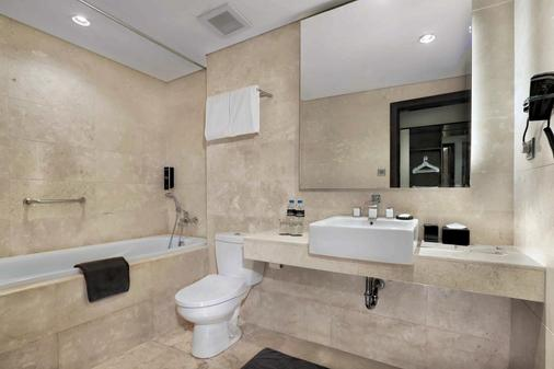 Hotel Neo+ Balikpapan - Balikpapan - Phòng tắm