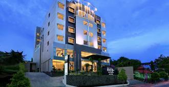 尼歐巴里巴伴飯店 - 阿斯頓飯店 - 峇里巴板 - 餐廳