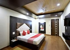 Shining Star Resort - Chamba - Bedroom