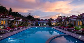 Flushing Meadows Resort - Vagator - Pool