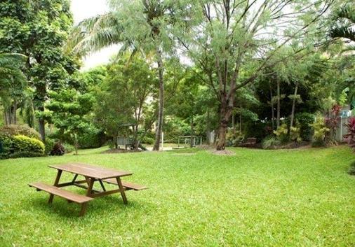 City Oasis Inn - Townsville - Patio