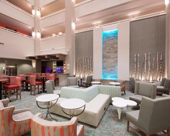 Holiday Inn & Suites Lake City, An IHG Hotel - Lake City - Salónek