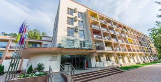 Puscha Congress Hotel - Kyiv - Building