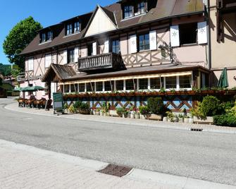 Hotel Restaurant La Petite Auberge - Le Hohwald - Building