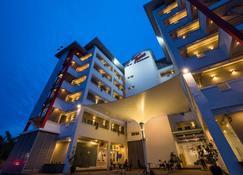 Tune Hotel Klia Aeropolis (Airport Hotel) - Sepang - Gebouw