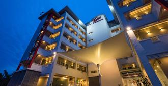 Tune Hotel Klia Aeropolis (Airport Hotel) - ספאנג