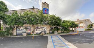 Motel 6 San Antonio Nw-Medical Cntr - San Antonio - Outdoor view