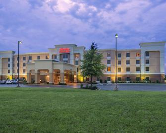 Hampton Inn & Suites Jackson - Jackson - Building