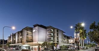 Grand Hotel and Apartments Townsville - טאונסוויל