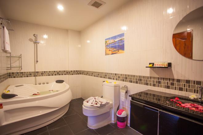Sukhotai Resort Pattaya - Pattaya - Bathroom