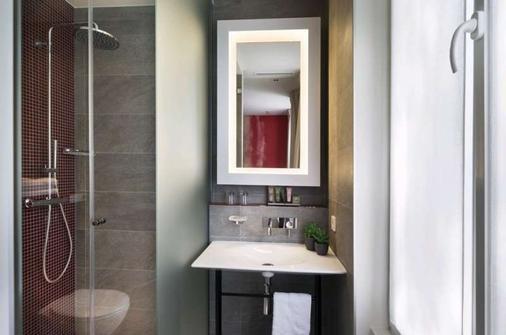 Hotel Max - Paris - Bathroom