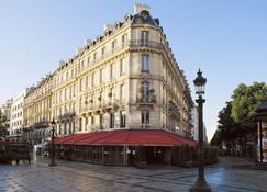 Hôtel Barrière Le Fouquet's Paris - Parijs - Gebouw