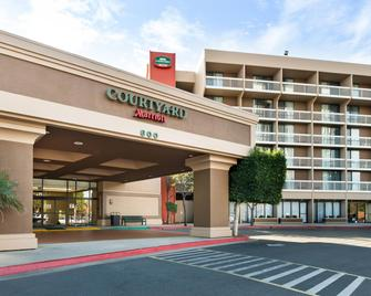 Courtyard by Marriott Oxnard Ventura - Oxnard - Gebäude