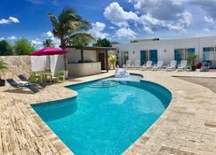 Genesis Apartments - Oranjestad - Zwembad