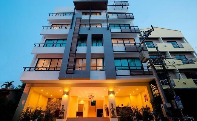 La De Bua Hotel - Patong - Building
